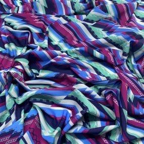 Tecido Crepe de Chine Listrado Belize • Luema Tecidos