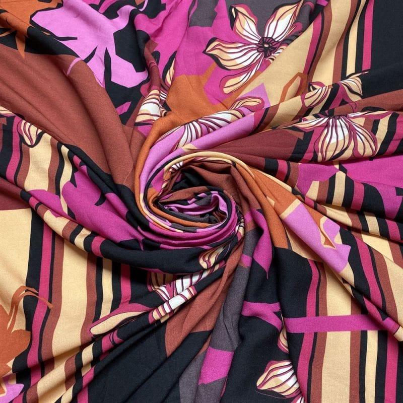 Tecido Viscose Estampada Floral Fundo Terracota • Luema Tecidos