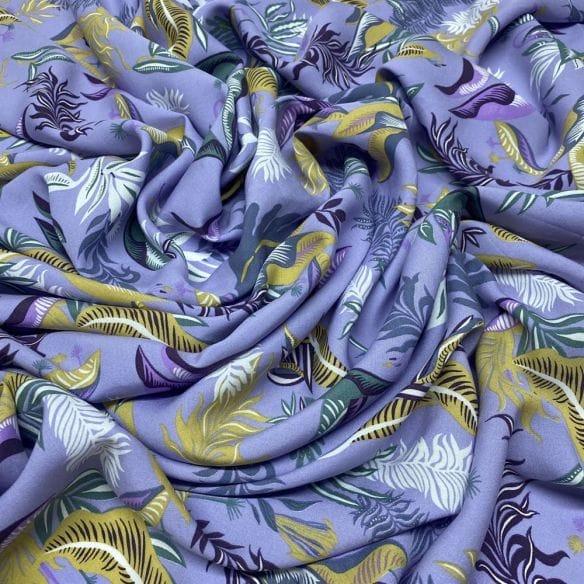 Viscose Estampada Folhagens Lilás • Luema Tecidos